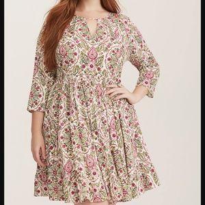 NWT Torrid Ivory Floral Print Challis Skater Dress